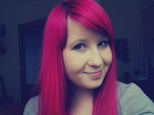 růžová barva na vlasy