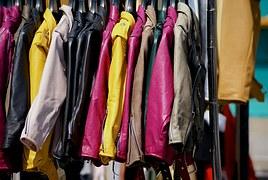clothing-842338__180