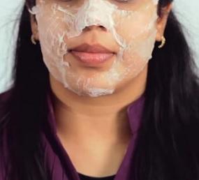 Některá kosmetika na obličeji může způsobit mnoho problémů