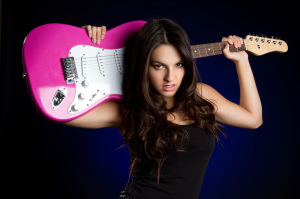 FreeGreatPicture.com-26222-women-and-electric-bass