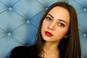 bruneta_cervena_rtenka