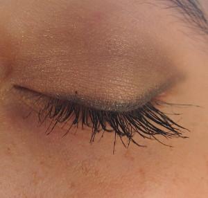 líčení očí - řasenka