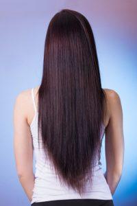 Žehlička na vlasy mini – vyberte si tu správnou podle bonusových funkcí