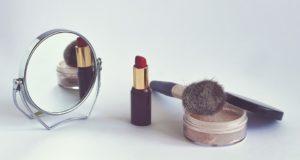 Kosmetická zrcátka - jak je vybrat?