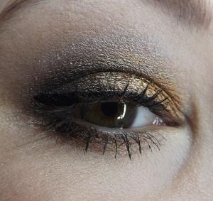 bronzovo-černé líčení